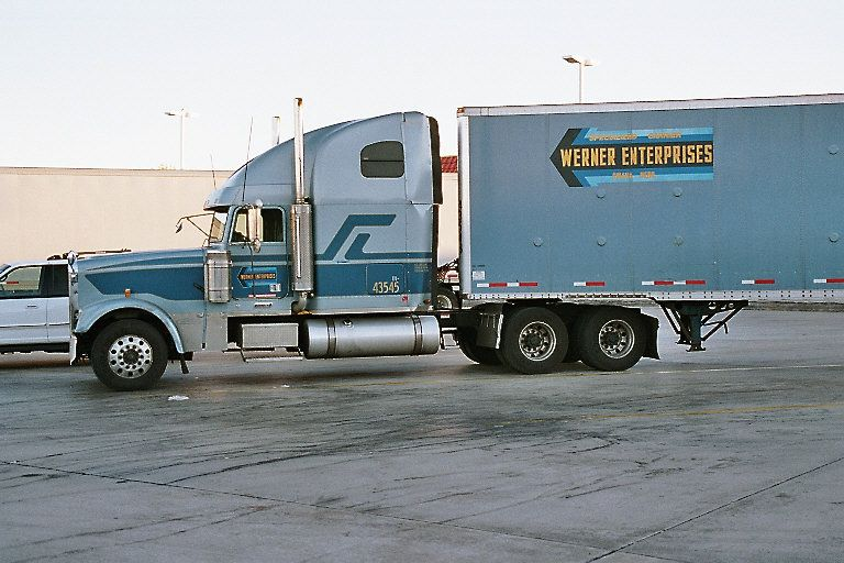 werner enterprises trucks and trailers as scale models in